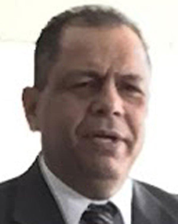 Pastor Oscar Galván